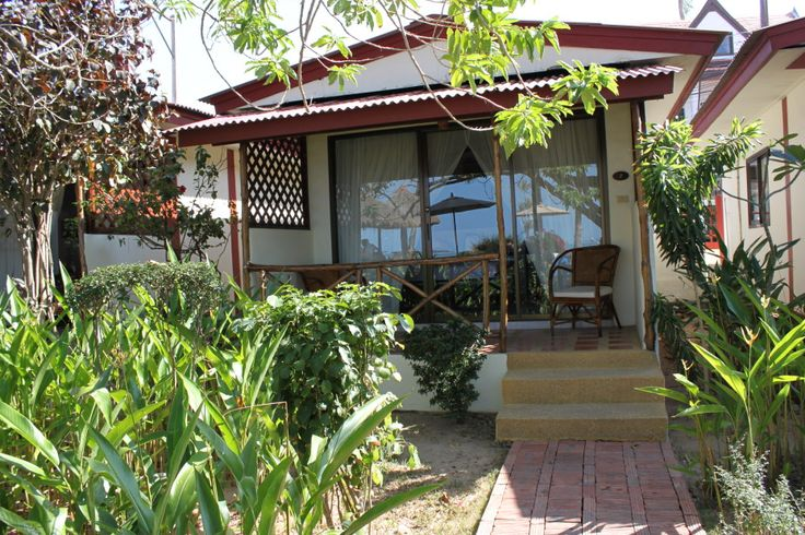 The Waterfront Boutique Hotel, Bophut, Koh Samui – Deluxe Beachfront Bungalow NARROWED DOWN