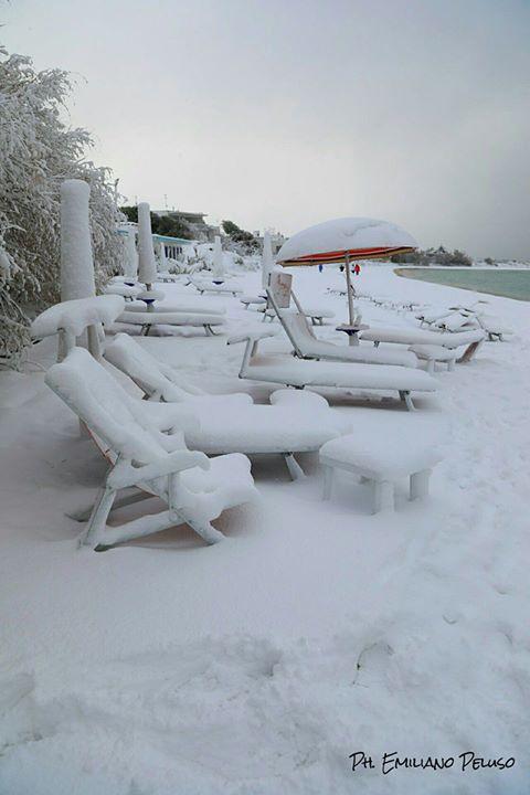 Porto Cesareo - Le Dune sotto la neve http://www.nelsalento.com/porto-cesareo.html