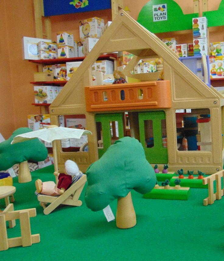 όλη η συλλογή με κουκλόσπιτα της Plan Toys  Plan Dollhouse
