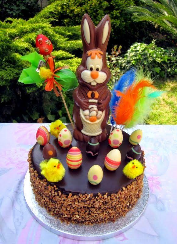 Mardefiesta: Mona con conejito y huevos de chocolate