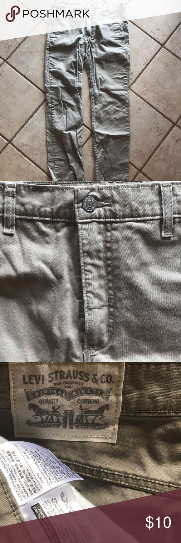 Levi's 511 Pants Levi's 511 Pants in khaki Levi's Pants Chinos & Khakis