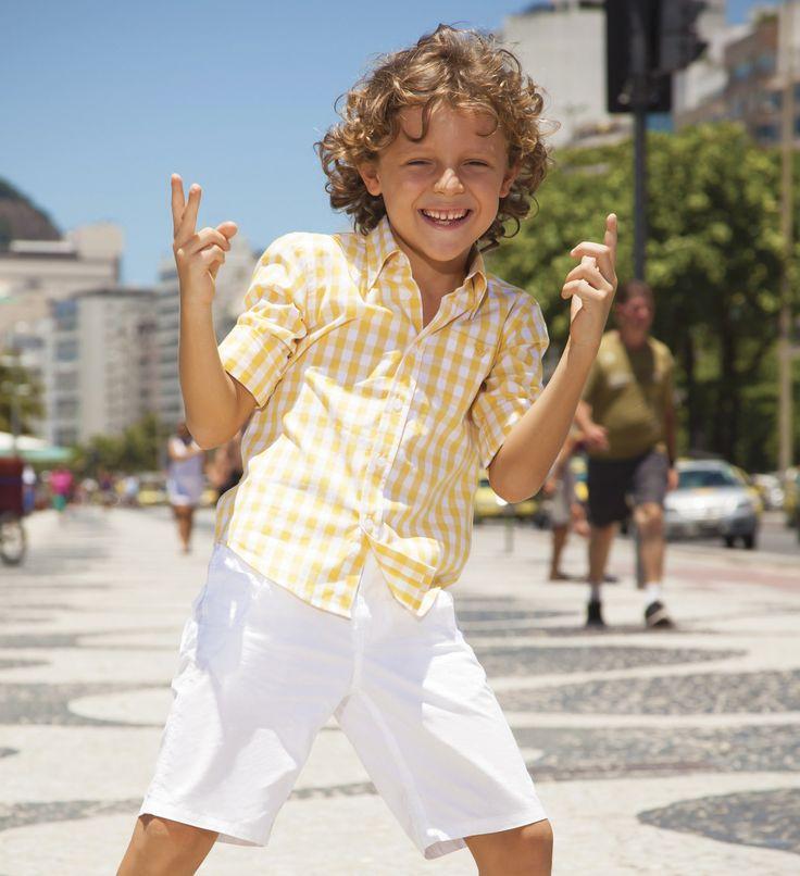 Día para hacer actividades al aire libre con toda la familia, el look de hoy debe ser cómodo y casual. Aquí nuestro recomendado.