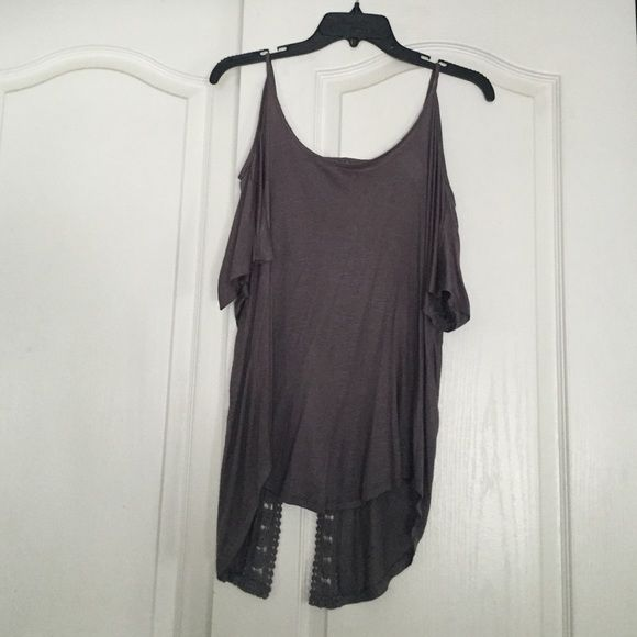 open shoulder top gray open shoulder top with an open back as well. it also has a cute design in the back Tops