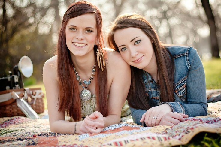 Friends together for Texas senior shoot