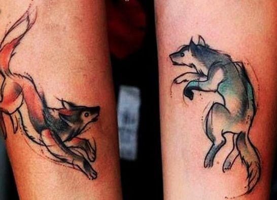 Tatuaggi di coppia: animali colorati per lei e lui