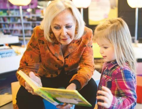 Samen een boekje lezen, leren van elkaar!