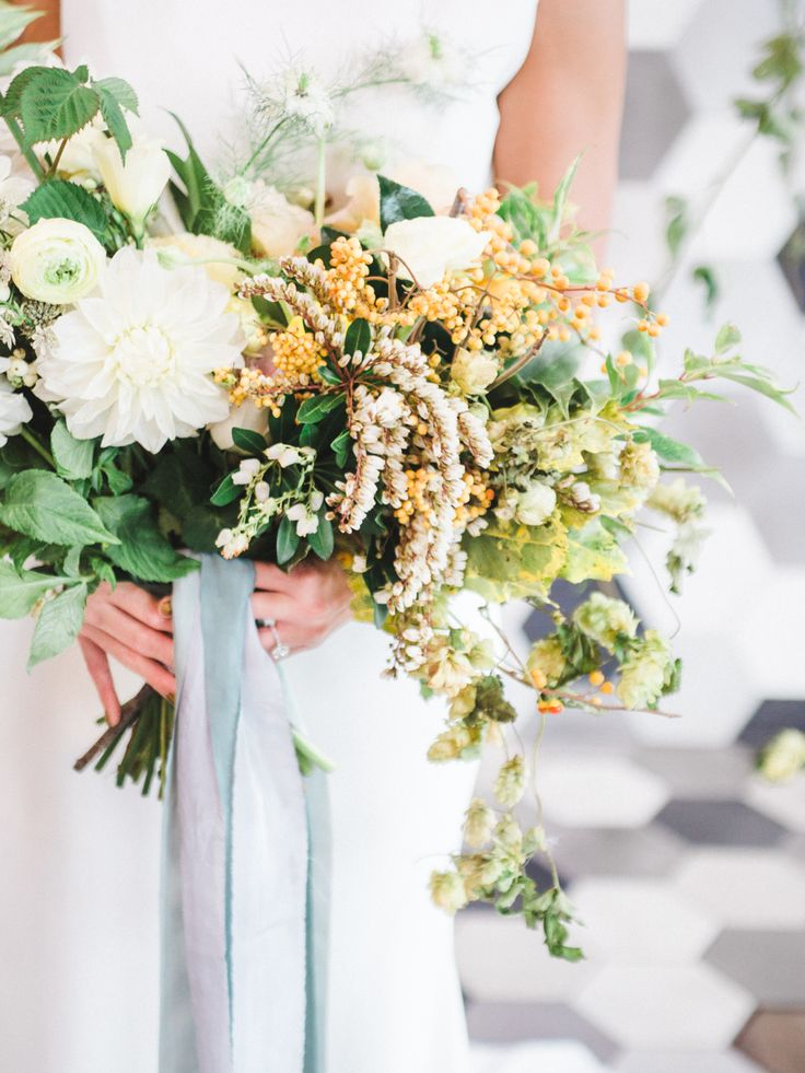 Modern Teal and Orange Industrial Wedding Inspiration | Modern Neutral Wedding Bouquet
