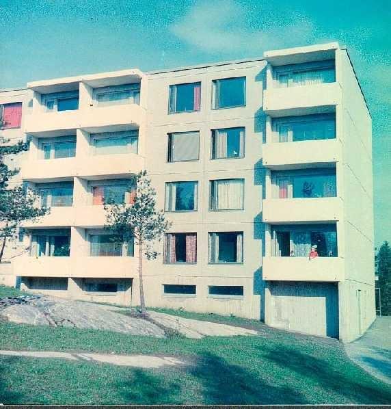 Jakomäentie 6f -building in Helsinki right after it was built in 1968