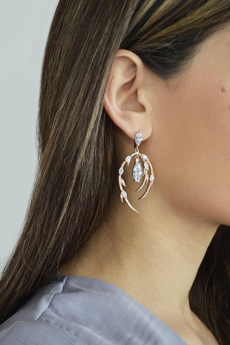 Σκουλαρίκι Sparkling Lady (€145) #earrings #sparkle #silver #white #stones