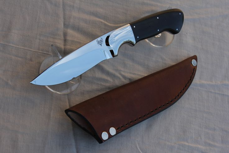HUNTING KNIFE BLADE:12C27 STAINLESS HANDLE :304 STAINLESS AND RED BUSH WILLOW OR Combretum apiculata