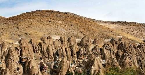 Attualià: #Kandovan: il #villaggio scavato nella roccia vulcanica in Iran (link: http://ift.tt/2oah1ee )