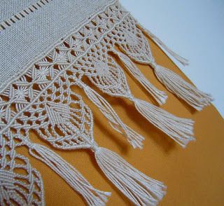 The Pleasure of embroidery: October 2011