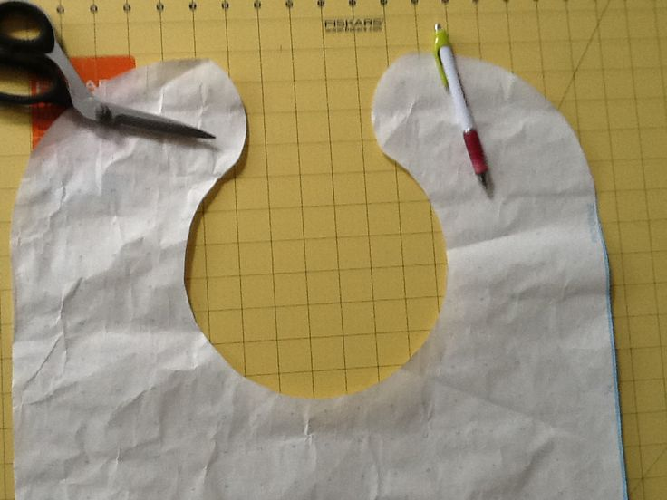 Free adult Bib Patterns Sewing | And this is what the pattern looks like.