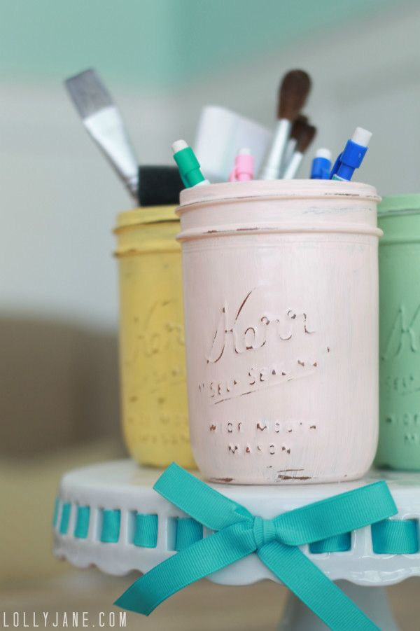 Distressed mason jars #diy #masonjars @Holly Elkins Pohlman