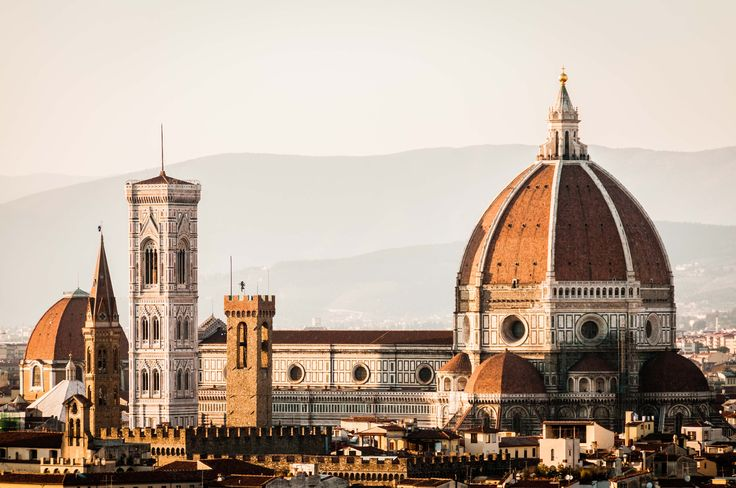 Cattedrale di Santa Maria del Fiore - Of course i had to upload this masterpiese of Tuscan gothic and early renaissance. The dome was designed by Filippo Brunelleschi in 1418.