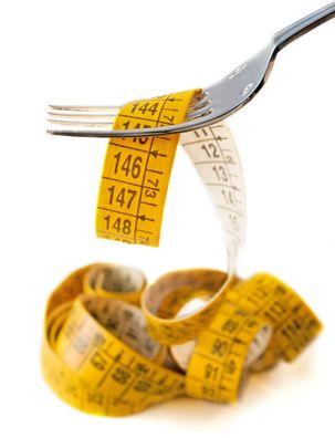 Dimagrire senza dieta si può? Per perdere peso non è necessaria una dieta drastica, ma per perdere peso c'è bisogno di analizzare, comprendere e modificare il comportamento alimentare e i fattori che lo influenzano (genetici, sociali, familiari, ambientali, psicologici etc..)