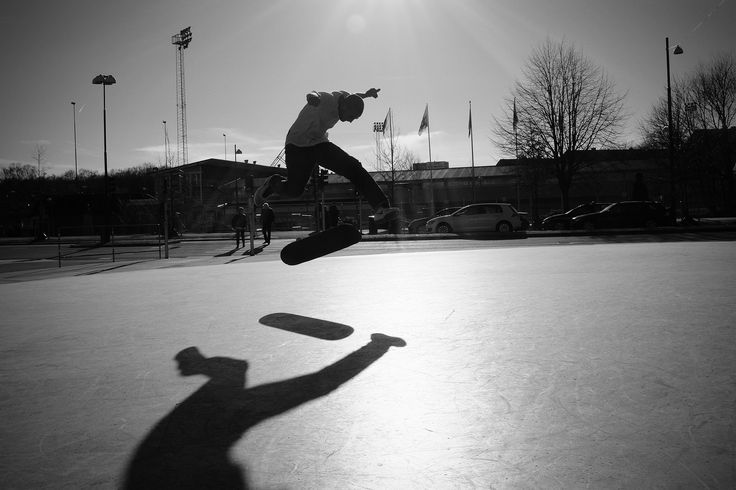 https://flic.kr/p/EYgwjG | Shadow Skater 1 - Fujifilm x100t Monochrome + Red filter | Went for a walk after work and shot some skaters on my way home. The light was incredible in evening and the sky deep blue.   Fujifilm x100t monochrome + Red filter   More Fuji in my fuji stream / album: www.flickr.com/photos/polycola/albums/72157662485118133   Best travel camera / best street camera   I'm also trying to organize these photos in a photo blog: poly-cola.blogspot.se/