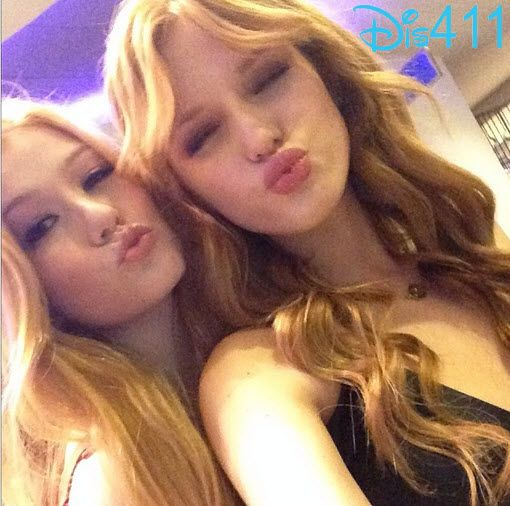 Bella thorne dating a girl