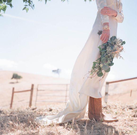 Rustic Wedding Dress Ideas: Best 25+ Cowboy Wedding Dresses Ideas On Pinterest