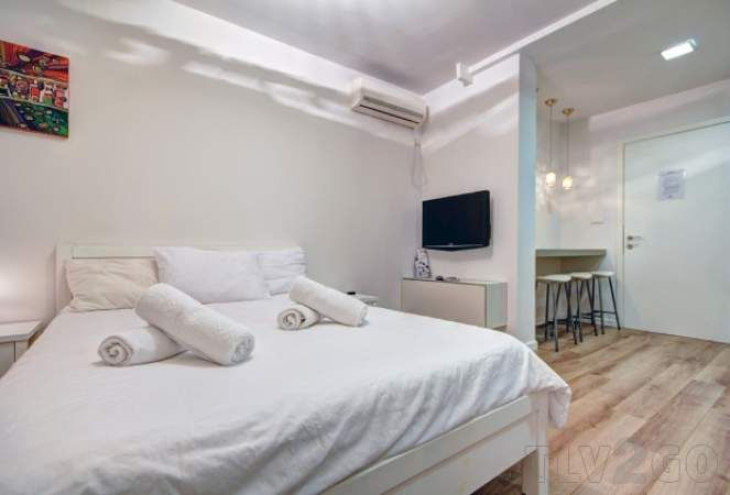 Patronim.com is the trusted source of Tel Aviv vacation rentals Apartments. Visit our website to get more detailed about Tel Aviv apartment rentals. Our selected short term rentals are totally equipped and serviced apartments in Tel Aviv. All our holiday apartments are verified by our team and offer a great accommodation in Tel Aviv.