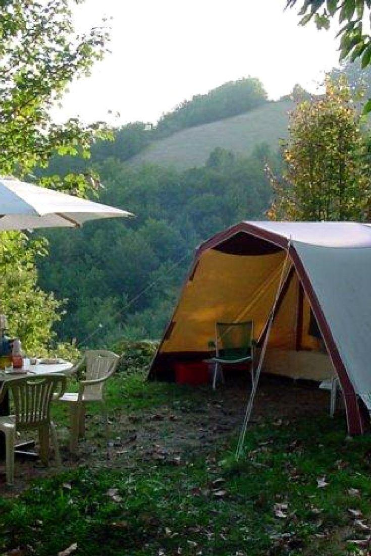 Kleine camping met uitzicht Albugue, Midi-Pyrenées, Frankrijk #camping #klein #uitzicht #frankrijk