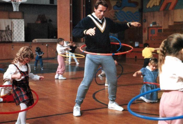 Arnold Schwarzenegger working undercover in 'Kindergarten Cop' (1990) http://ift.tt/2goYHN0