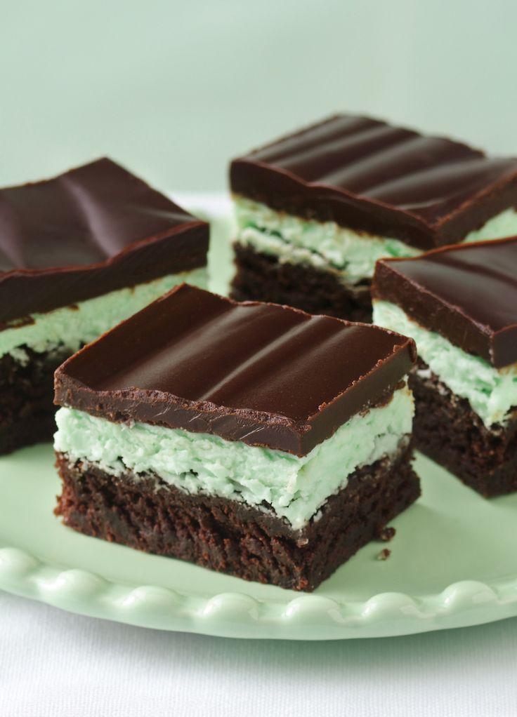 How To Make A Lava Cakes With Pillsbury Chocolate Cupcake