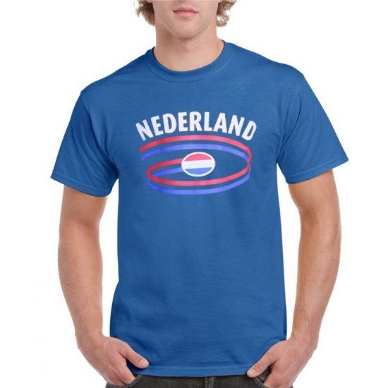 Heren shirt blauw Nederland  Blauw heren t-shirt Nederland. Blauw heren body-fit t-shirt met Nederland bedrukking op de voorzijde. Kwaliteit: 150 grams. Materiaal: 100% katoen. Het blauwe shirt mag maximaal op 40 graden gewassen worden en mag niet worden gestreken in verband met de landen opdruk.  EUR 12.99  Meer informatie