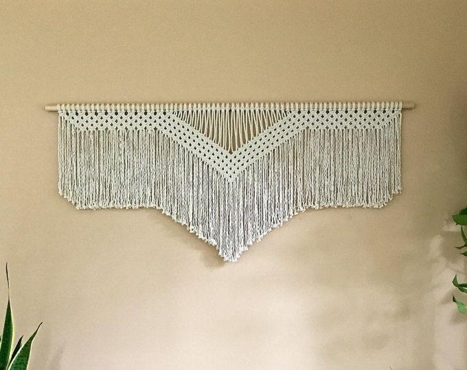 """Macrame colgante - cuerda de algodón blanco Natural en 48"""" pasador de madera - casa de Boho, vivero decoración, cortina, cabecera - listo para enviar"""