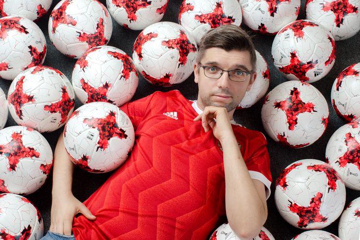По большому счёту: Как Александр Иванский ищет игроков «Барселоне» и «Реалу»  football soccer man portrait