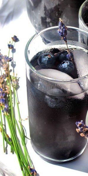 Blueberry Lavender Vodka Spritzer http://www.thekitchn.com
