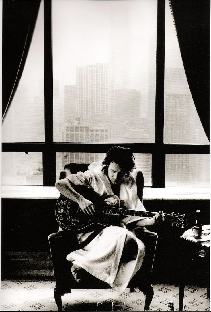 pic req: Bono in bathrobe. - U2 Feedback