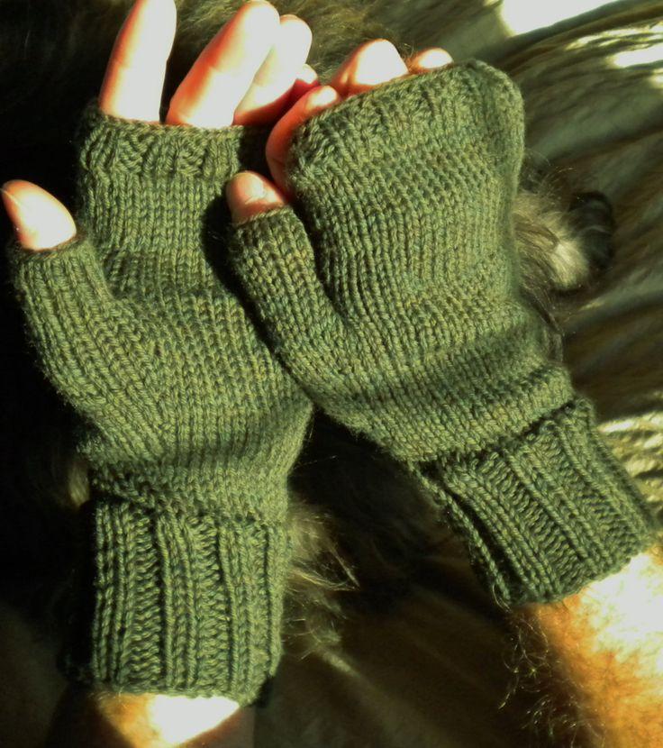 46 best Men\'s Fingerless Gloves images on Pinterest | Arm knitting ...