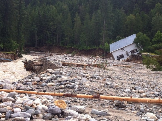 Deadly B.C. flooding continues to prompt evacuations, highway closures  700 people evacuated in Shuswap, North Okanagan, and Kootenay regions