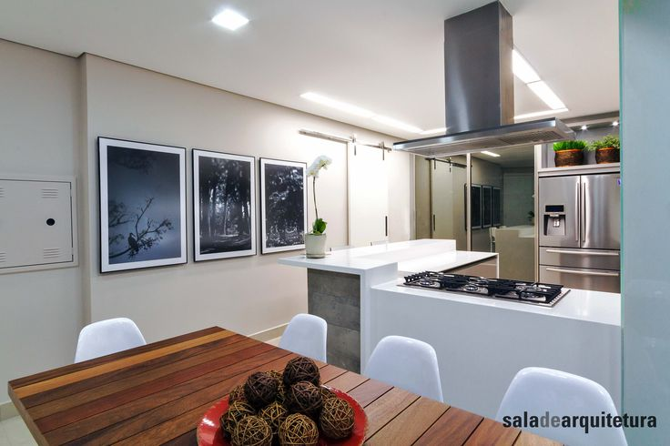 Em cozinha inspiradora, o chef só faz comidinhas boas! Inspire-se nos nossos projetos e providencie uma para os chefs da sua casa também! ▶Projeto: Saladearquitetura ▶Imagem: Tatiana Galindo