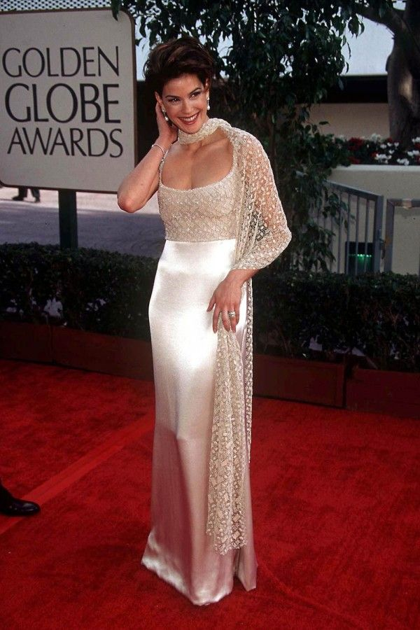 Teri Hatcher Is Gorgeous In Satin At The Golden Globes 1997