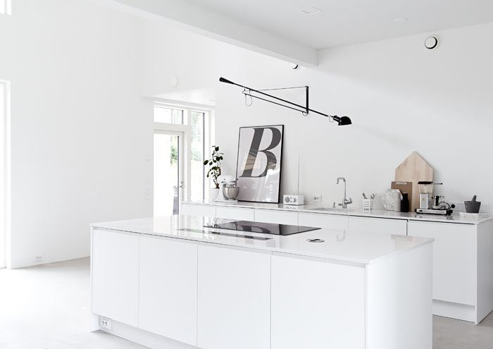 dream kitchen - from musta ovi blog via http://www.scandinavianlovesong.com/