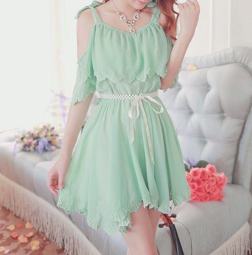 Es como la menta verde pastel de merengue, pero en forma de vestido.