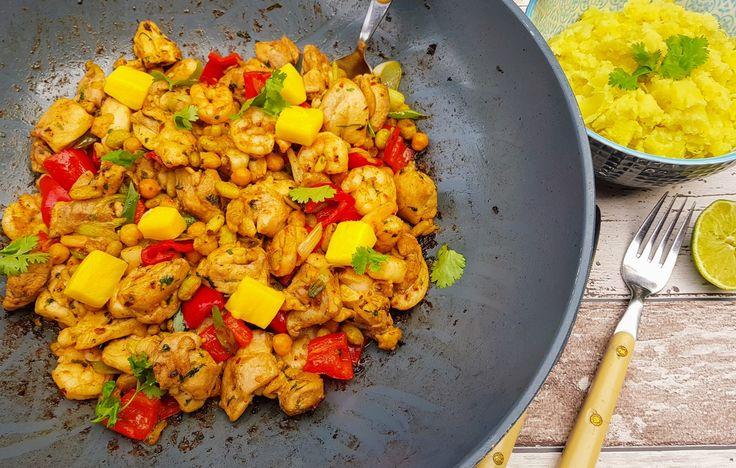 Kip Cancun is een kleurrijk Mexicaans kipgerecht welke je in één pan kunt bereiden. Fris door de mango en spicy door de gebruikte kruiden en specerijen.