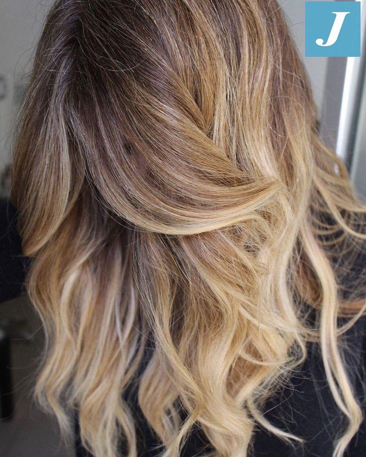 Non sono solo sfumature bionde, è il Degradé Joelle! #cdj #degradejoelle #tagliopuntearia #degradé #igers #musthave #hair #hairstyle #haircolour #longhair #ootd #hairfashion #madeinitaly #wellastudionyc