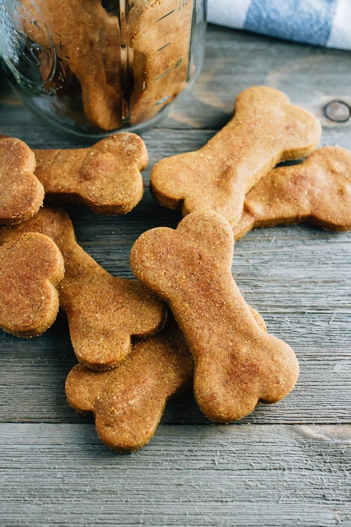 Use leftover canned pumpkin to make these 5-ingredient homemade peanut butter and pumpkin dog treats! They're the perfect fall treat for your furry friends.