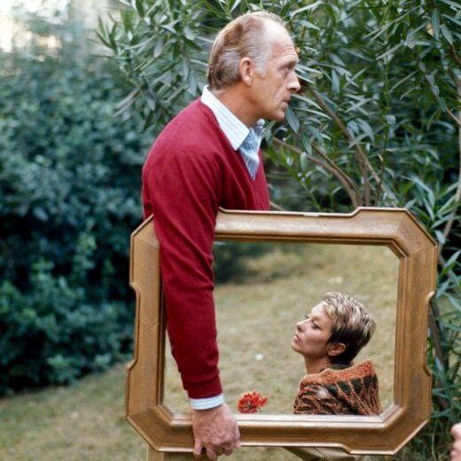 La coppia di spettacolo Raimondo Vianello e Sandra Mondaini, uniti anche nella vita, in una foto simpatica e ironica di Chiara Samugheo.
