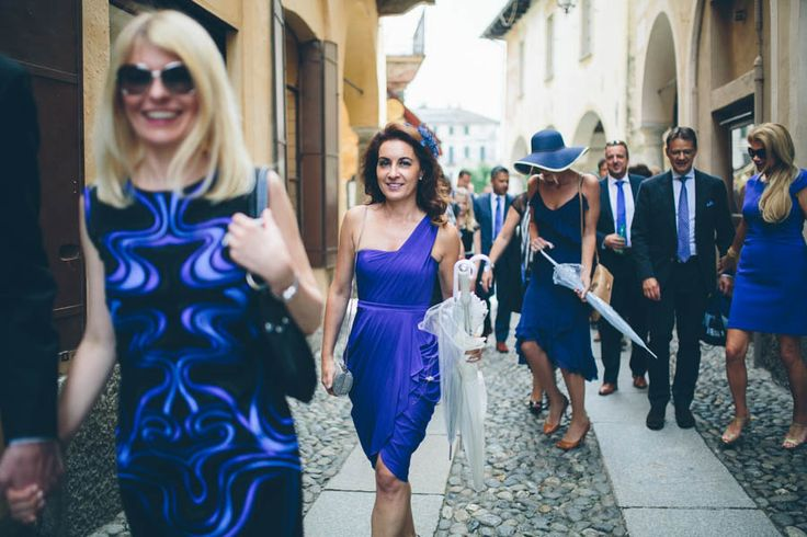 Wedding guests, Italian wedding, dress code, purple, lago d'Orta, fashion, stylish. Photo by Sjoerd Banga, © Banganimation