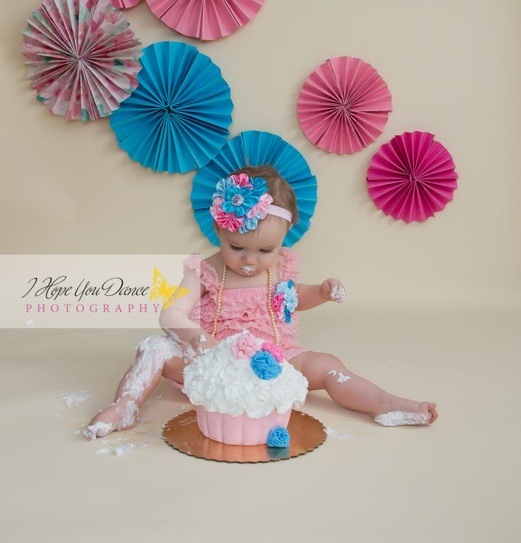 1st Birthday Girl cake smash www.Ihopeyoudancephotography.com