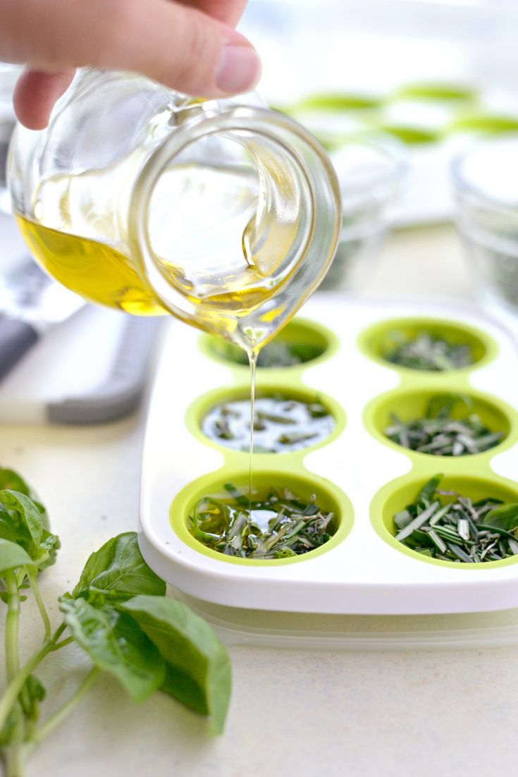 Chefs buying fresh herbs - Best 25 Freeze Herbs Ideas On Pinterest Herb Oil Garden And Olive Oil Cooking