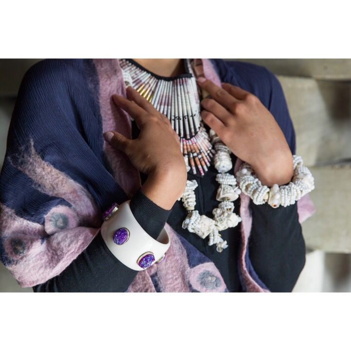 Model wearing Chic Fusion handfelted shawl, Made in ZA ndbele-white bracelet and necklace and Inspired Luxe Collection bangle. #InspiredLuxe #indian #southafrican #ethnicfashion #tribal #bracelet #bangle #necklace #bead #handmade #artisanmade #ndbele #druzy #gemstone #lbakelite