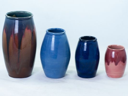 Remued early series 107 narrow barrel-shaped vases