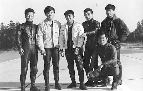 1971年カワサキテストライダーの同僚達と。後列向かって右から2番目です。