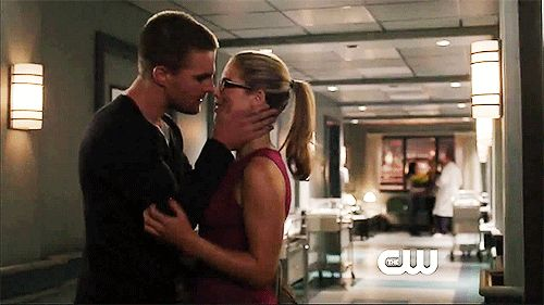 Olicity: Oliver Queen and Felicity Smoak from Arrow | 9 Fanfiction Pairings We Ship Even Harder Around Valentines Day
