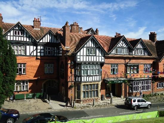 Inspirational manor houses of england The Crown Manor House Hotel Lyndhurst